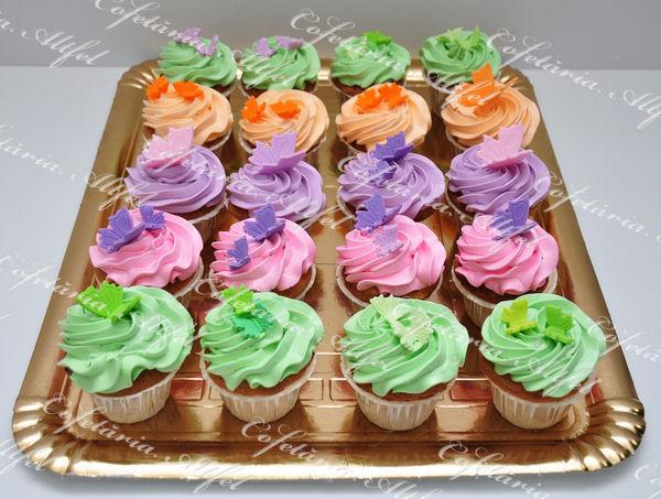 2012-04-22-cupcakes-007.JPG