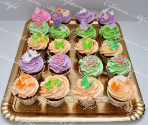 2012-04-22-cupcakes-013.JPG