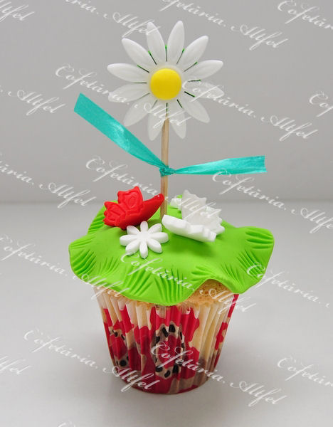 2013-03-01-cupcakes-020.JPG